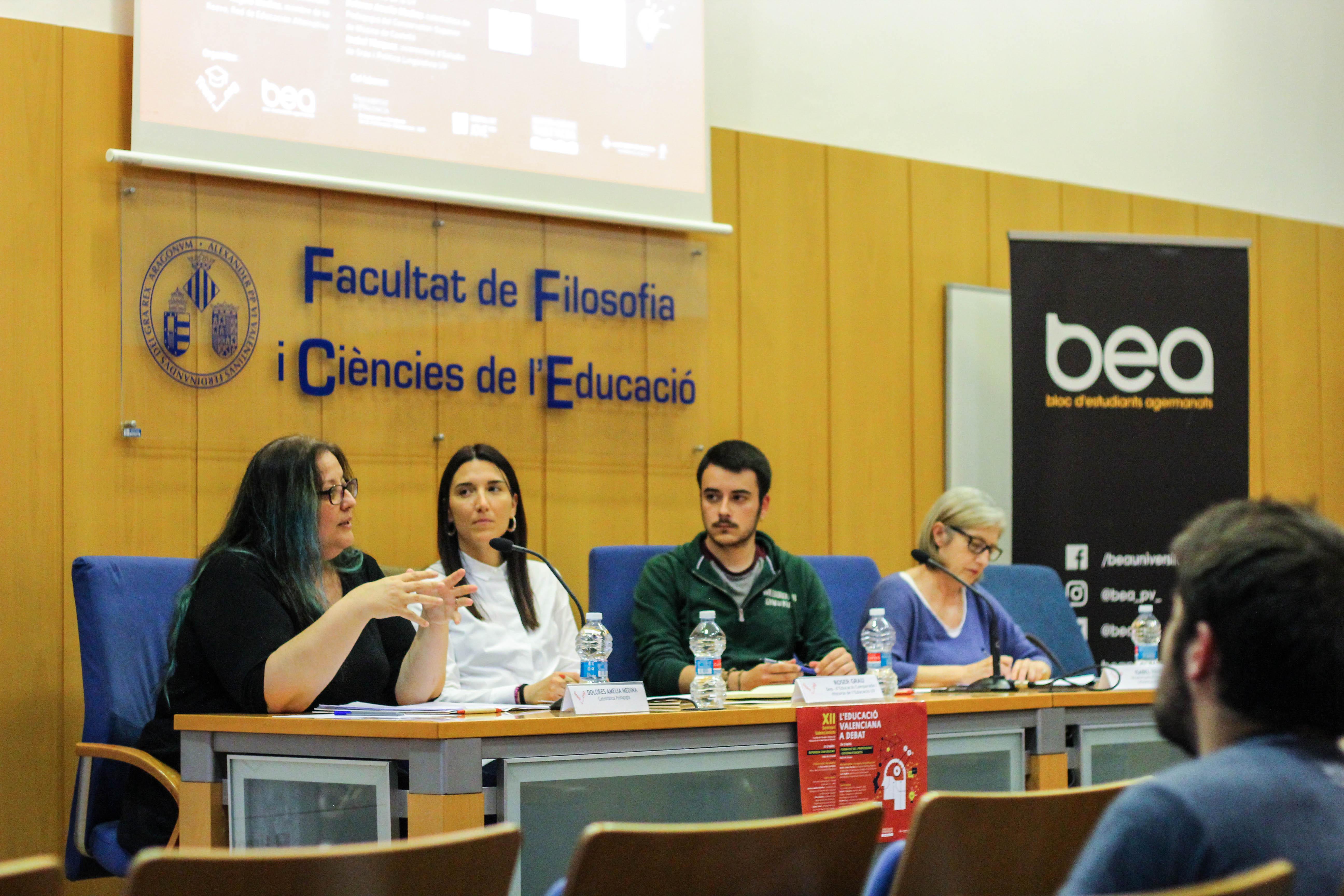 El Seminari Valencianista debat sobre model educatiu i renovació pedagògica